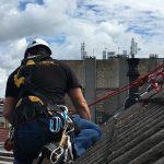 Trabajos en tejados con cuerda