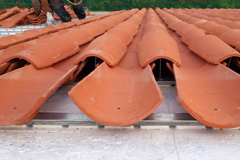 Colocación en seco de teja cobija